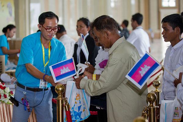 Happy-10th-Anniversary-Cambodia-01