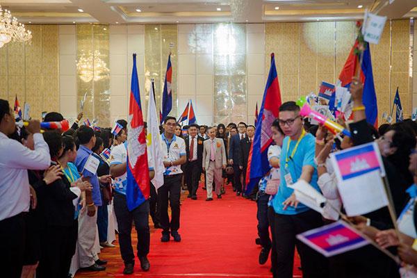 Happy-10th-Anniversary-Cambodia-02