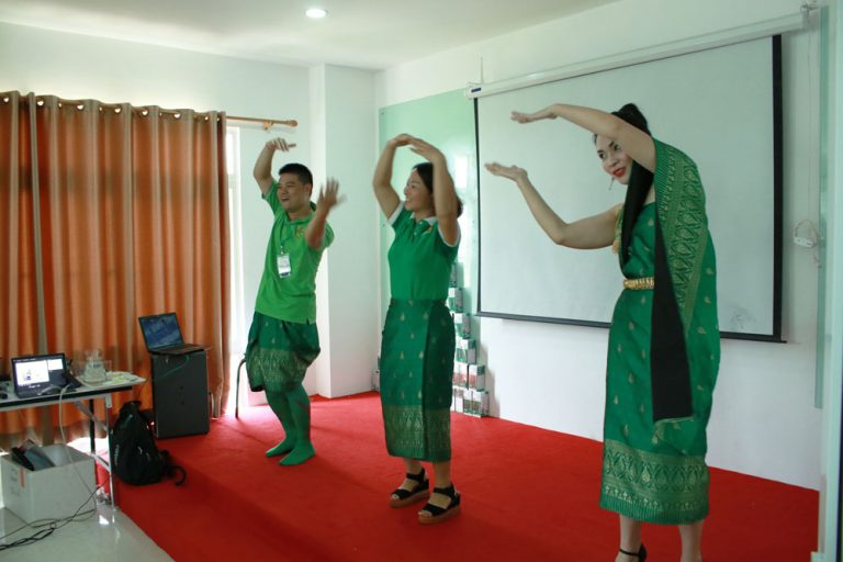 green-for-healthy-life-laos-02